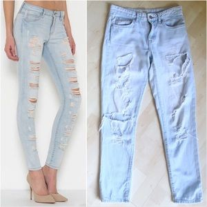 FOREVER 21 Distressed Denim Jeans Faded Blue 25